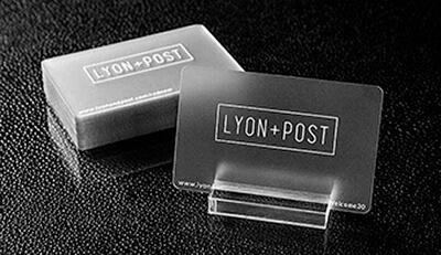Danh thiếp ( business card, name card ) chất liệu nhựa